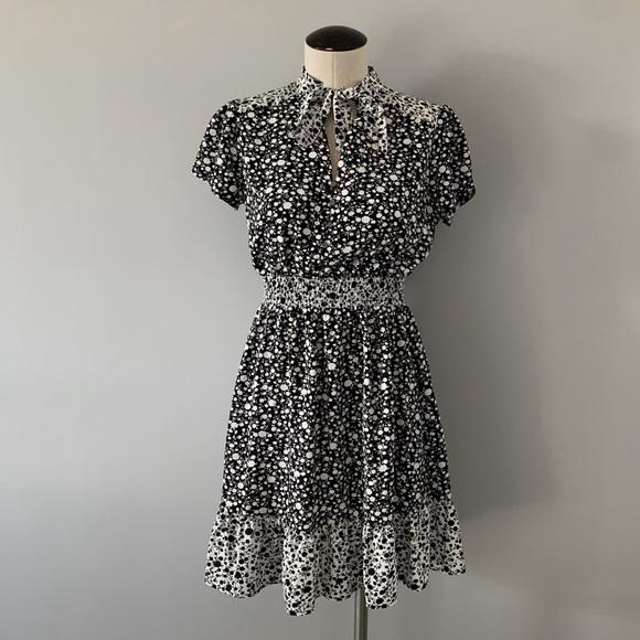 Melloday Beautiful Tie Neck Smock Waist Dress S